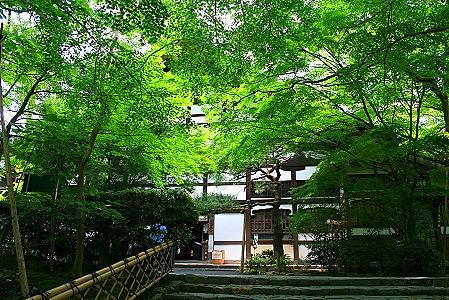 das Hauptgebäde des Tempels-Kuri