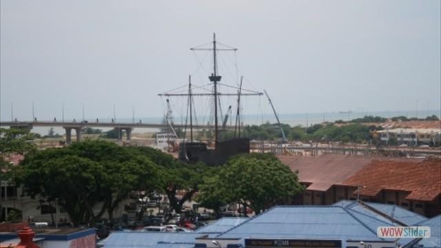 nachgebautes portugisisches Segelschiff Flora de la Mar